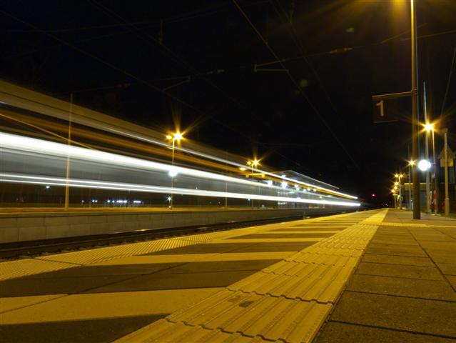Der Bahnhof Langwedel bei Nacht